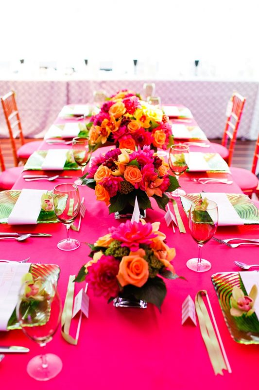 hot pink table setting